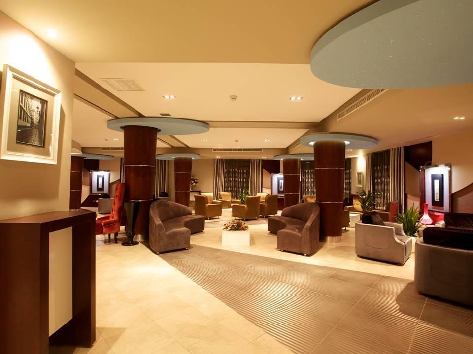 Best Western Plus Peninsula Hotel - Interior