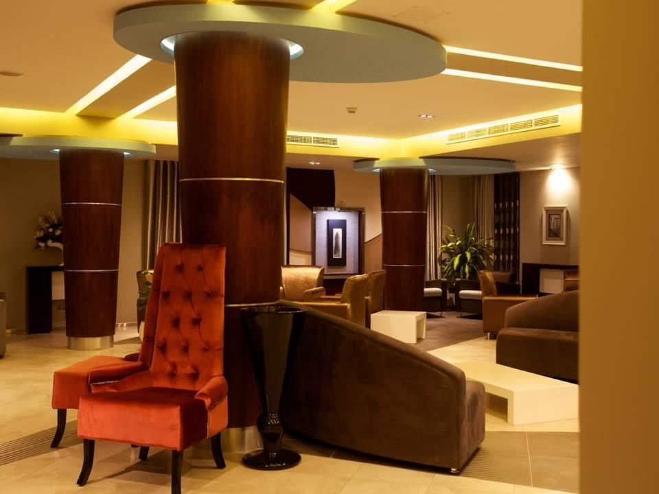 Best Western Plus Peninsula Hotel - Hall