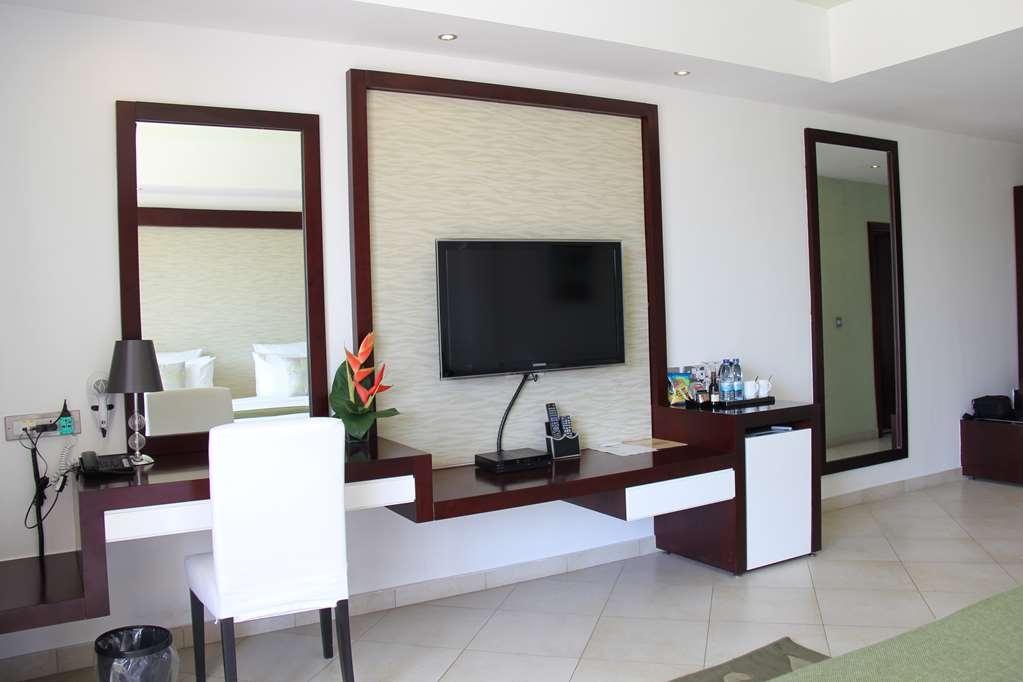 Best Western Plus Peninsula Hotel - Guest Room Amenities