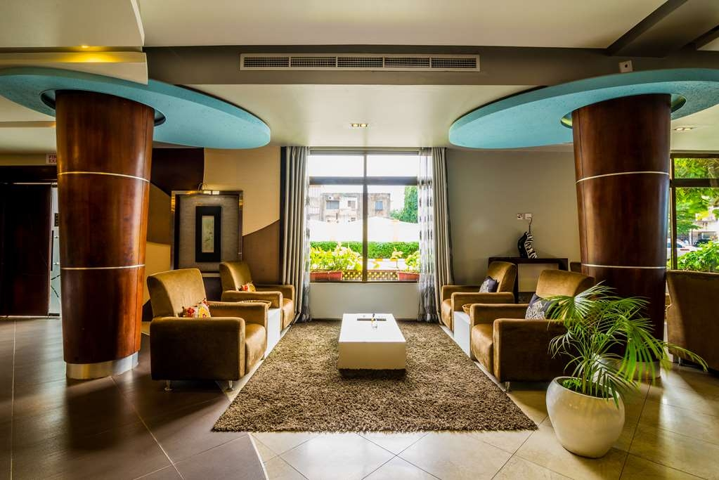 Best Western Plus Peninsula Hotel - Lobbyansicht