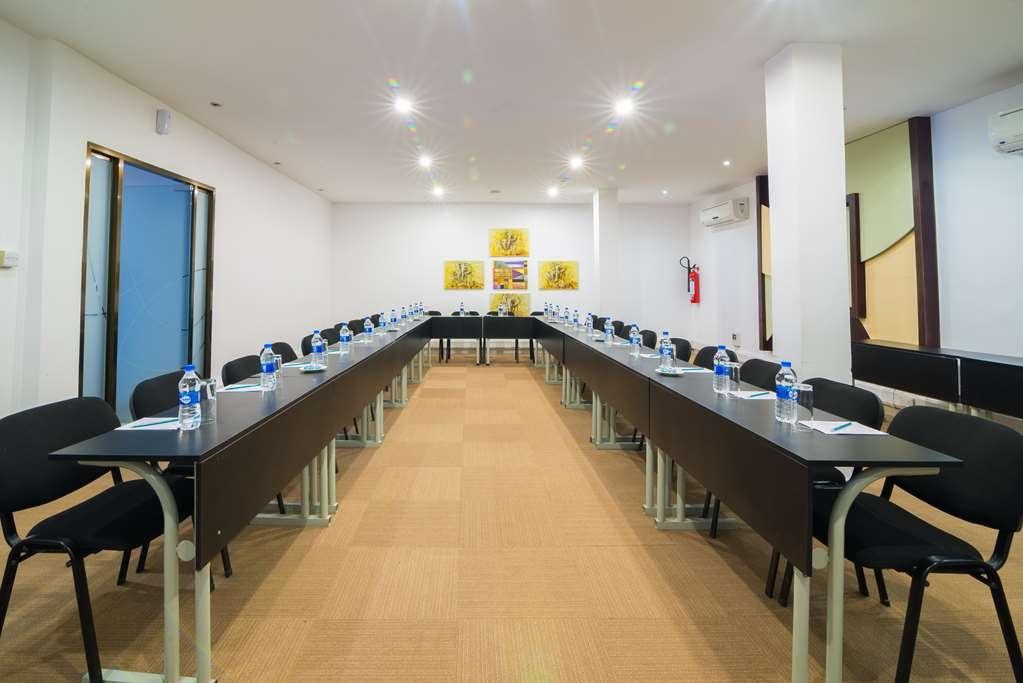 Best Western Plus Peninsula Hotel - Meeting Room