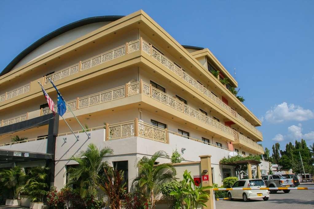 Best Western Plus Peninsula Hotel - Außenansicht