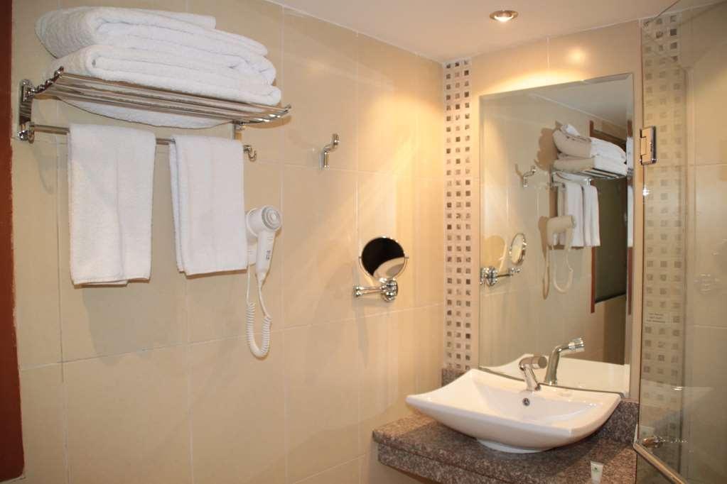 Best Western Plus Meridian Hotel - Badezimmer