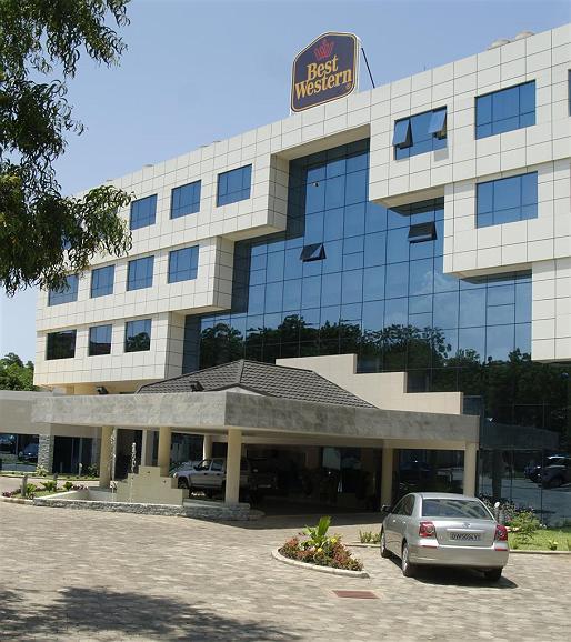 Best Western Premier Accra Airport Hotel - Aussenansicht