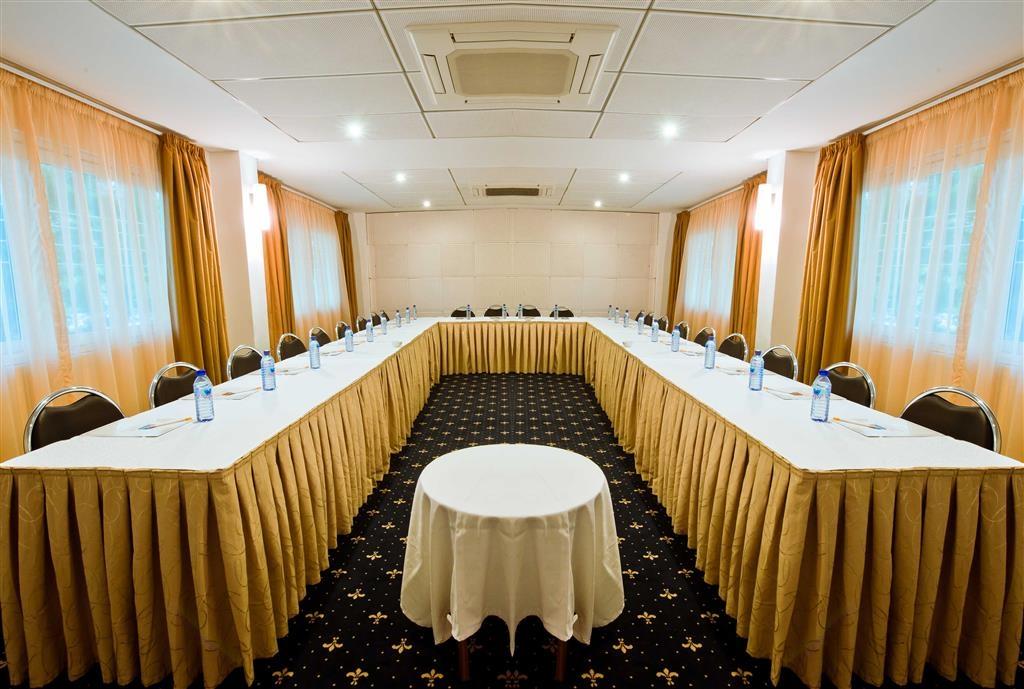 Best Western Premier Accra Airport Hotel - Sala meeting