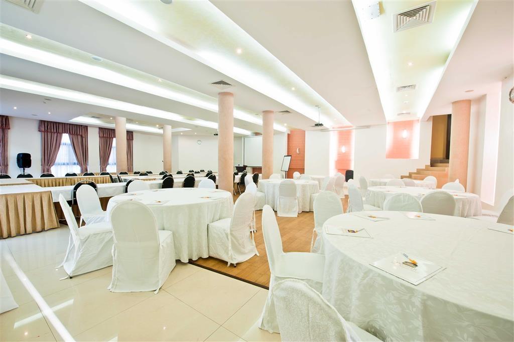 Best Western Premier Accra Airport Hotel - Ristorante