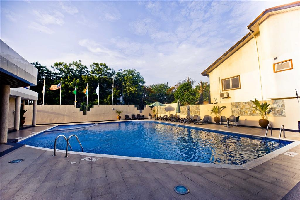Best Western Premier Accra Airport Hotel - Outdoor Swimming Pool