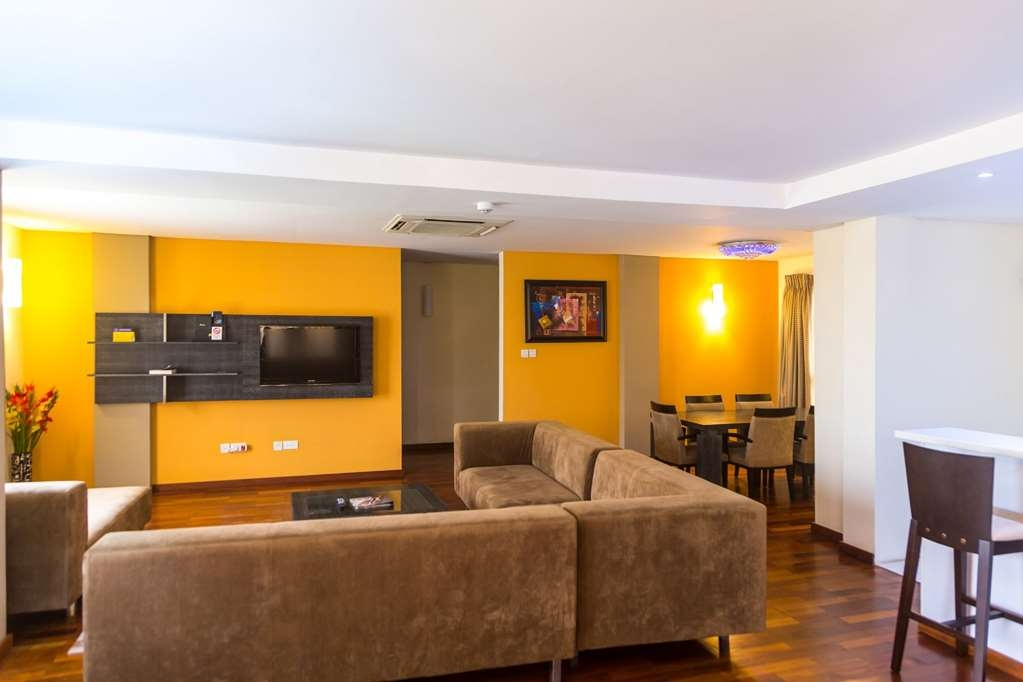 Best Western Premier Accra Airport Hotel - Penthouse Suite Living Room