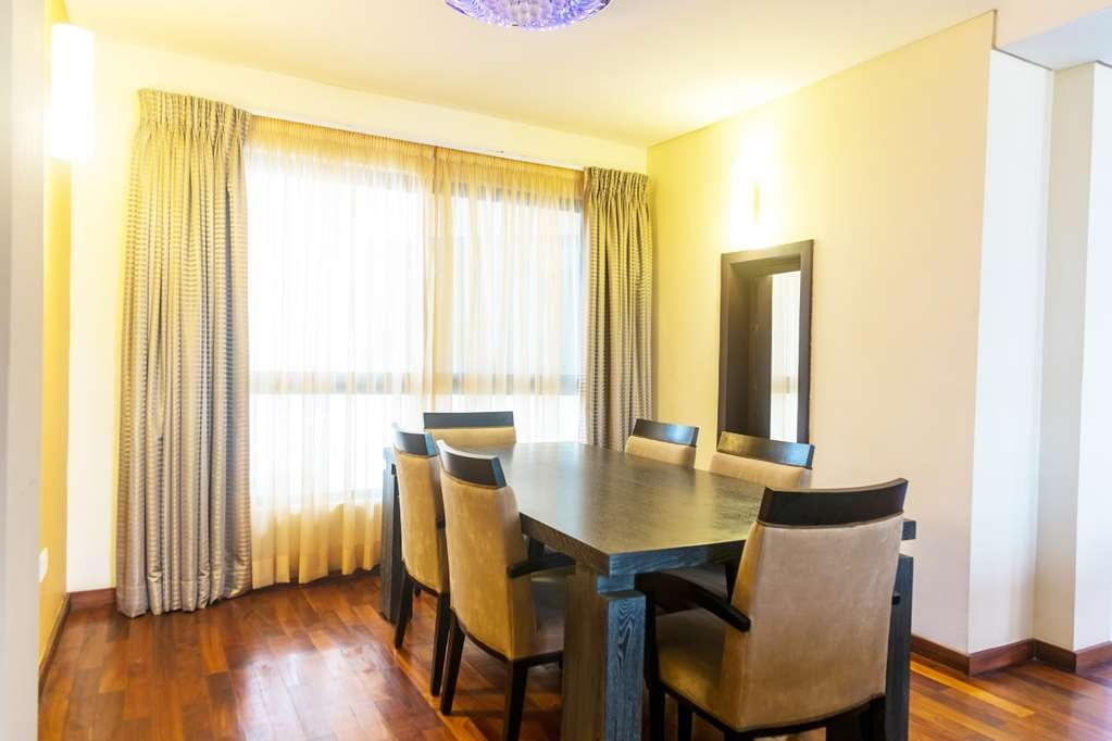Best Western Premier Accra Airport Hotel - Penthouse Suite Dining Room