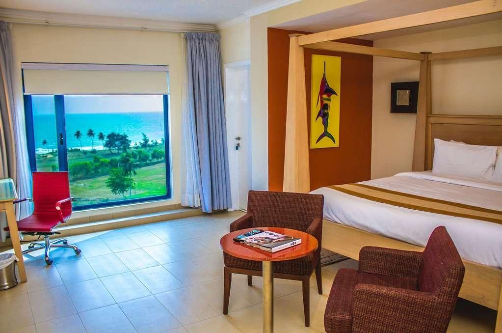Best Western Plus Atlantic Hotel - Deluxe Room- Queen Bed