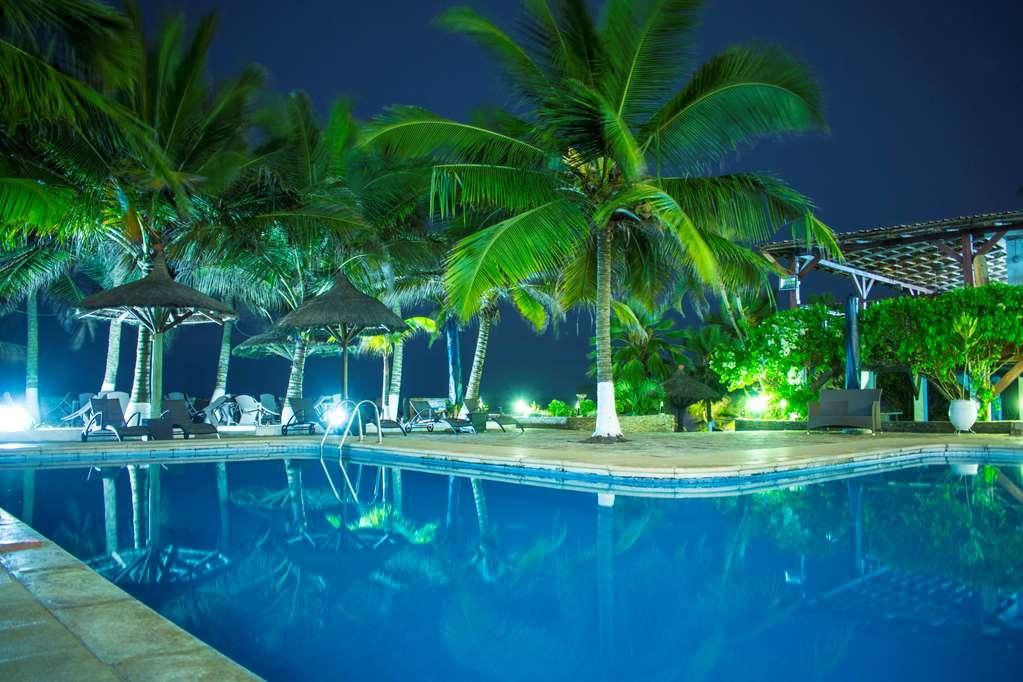 Best Western Plus Accra Beach Hotel - Vue de la piscine