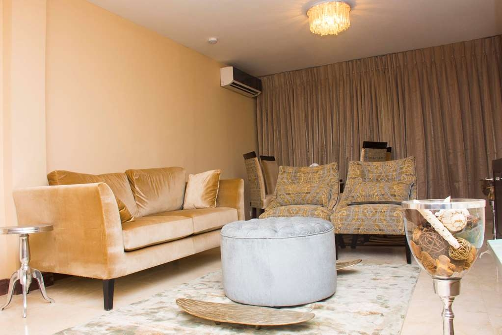 Best Western Plus Accra Beach Hotel - Presidential Suite Sitting Area