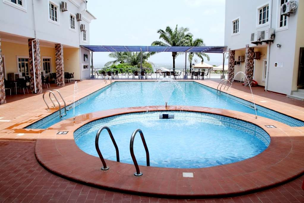 Best Western Meloch Hotel - Swimming Pool and Hot Tub