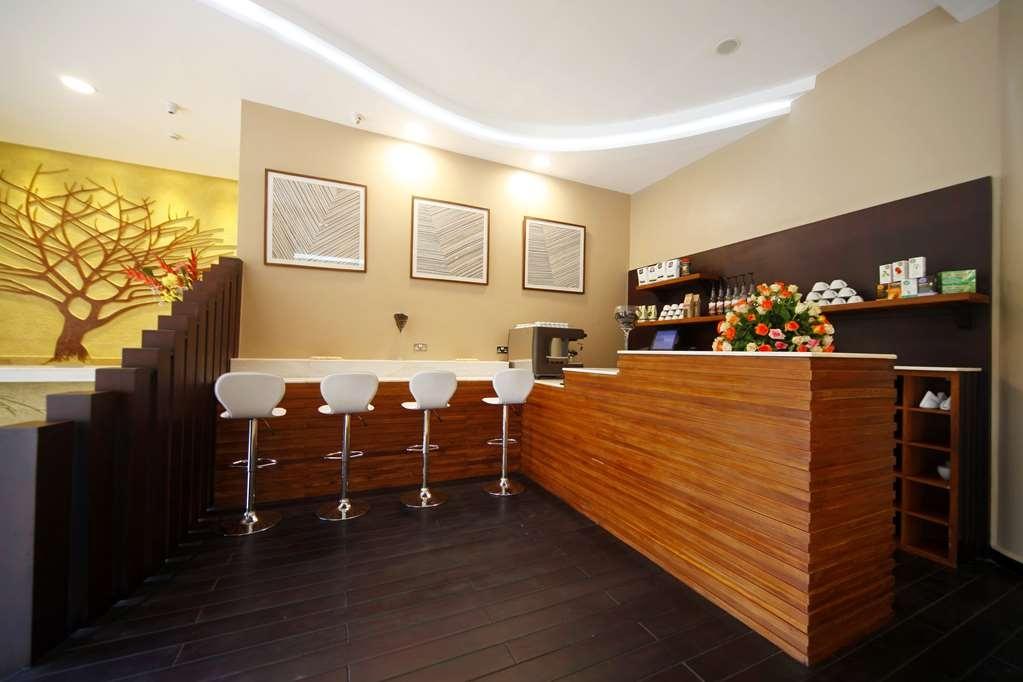 Best Western Premier Garden Hotel Entebbe - Café