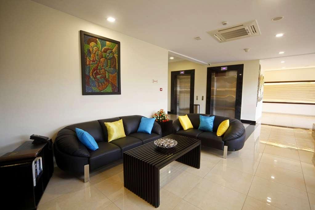 Best Western Premier Garden Hotel Entebbe - Lobby