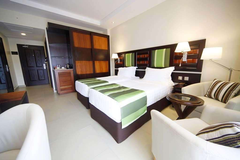 Best Western Premier Garden Hotel Entebbe - Twin Guest Room