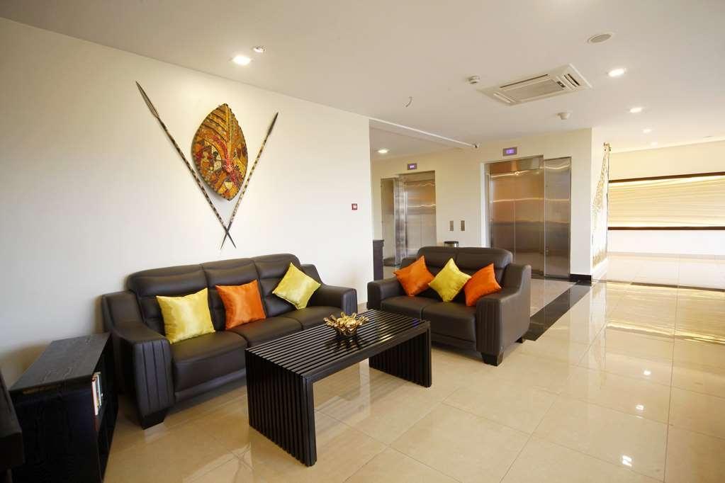 Best Western Premier Garden Hotel Entebbe - Lobbyansicht