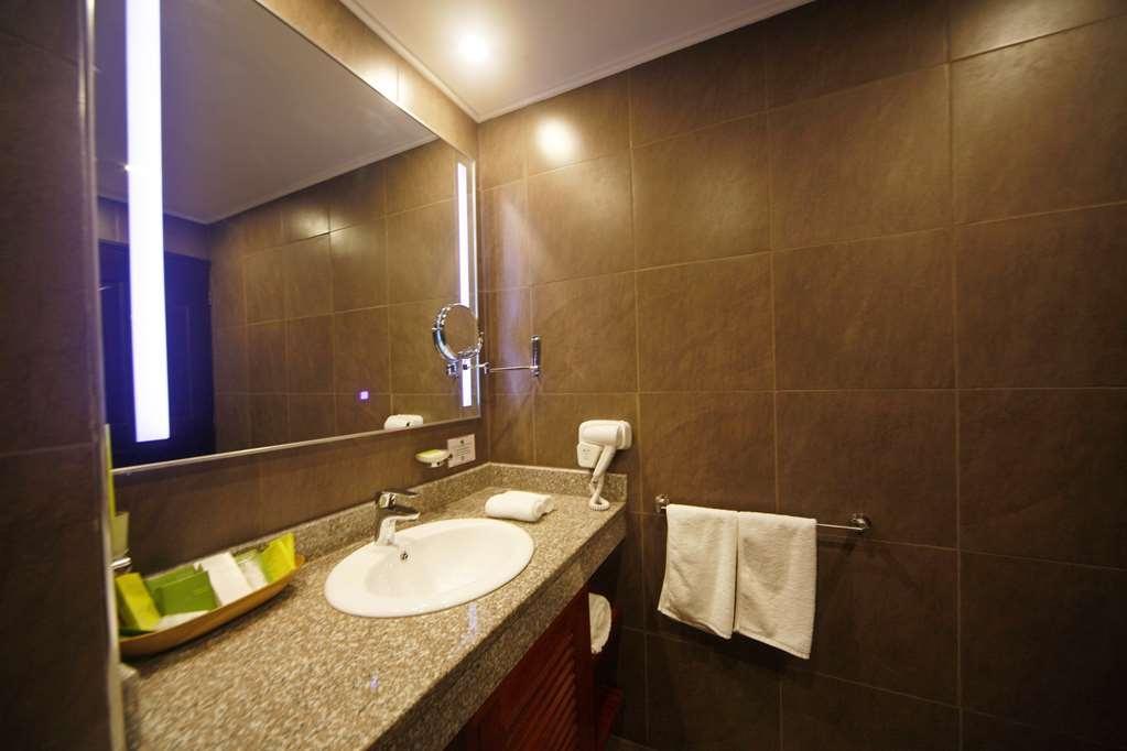 Best Western Premier Garden Hotel Entebbe - Gästezimmer/ Unterkünfte