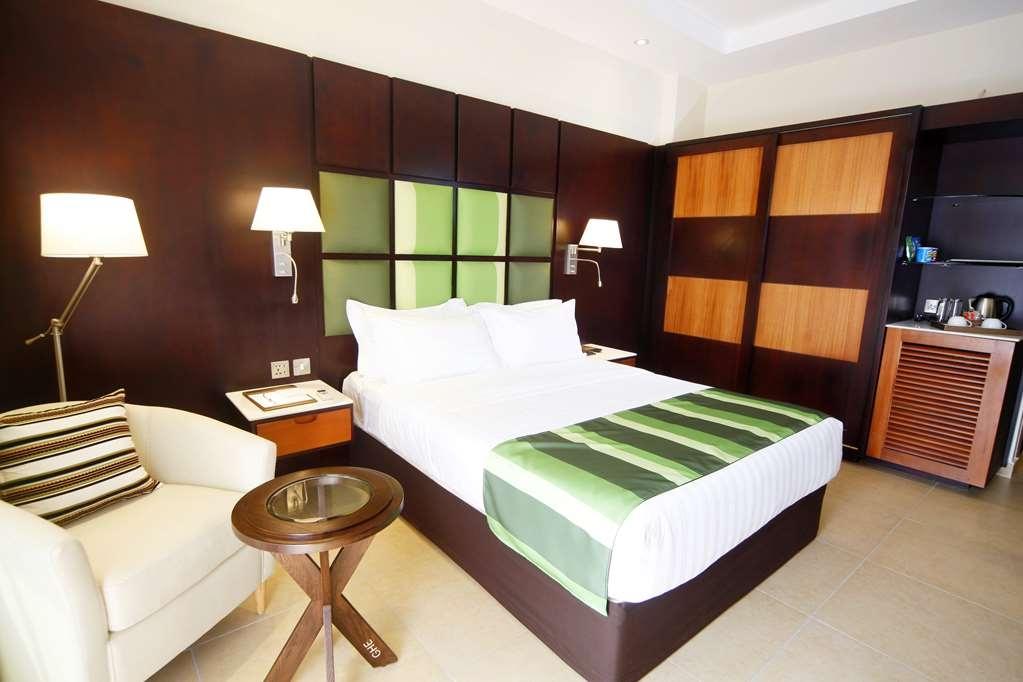 Best Western Premier Garden Hotel Entebbe - Executive Room