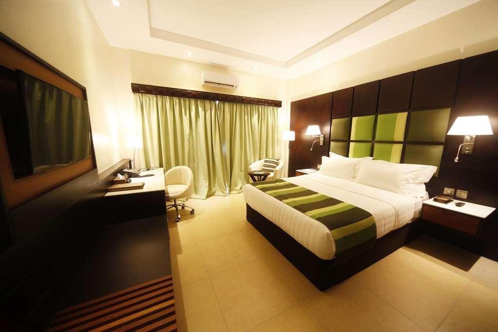 Best Western Premier Garden Hotel Entebbe - Executive Guest Room
