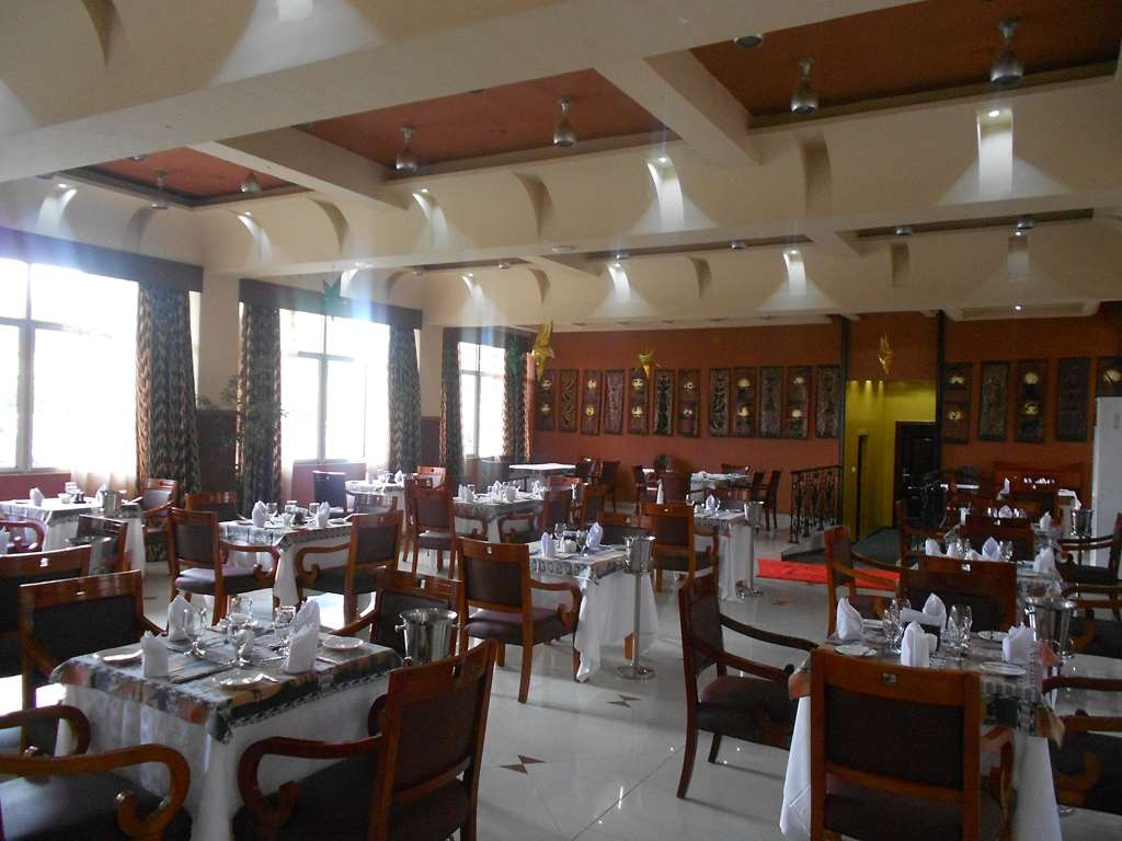 Best Western Plus Lusaka Grand Hotel - Restaurant