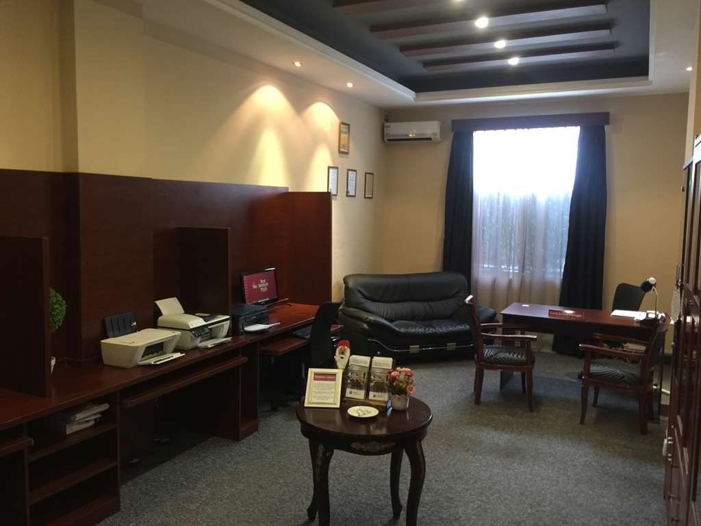 Best Western Plus Lusaka Grand Hotel - Business center