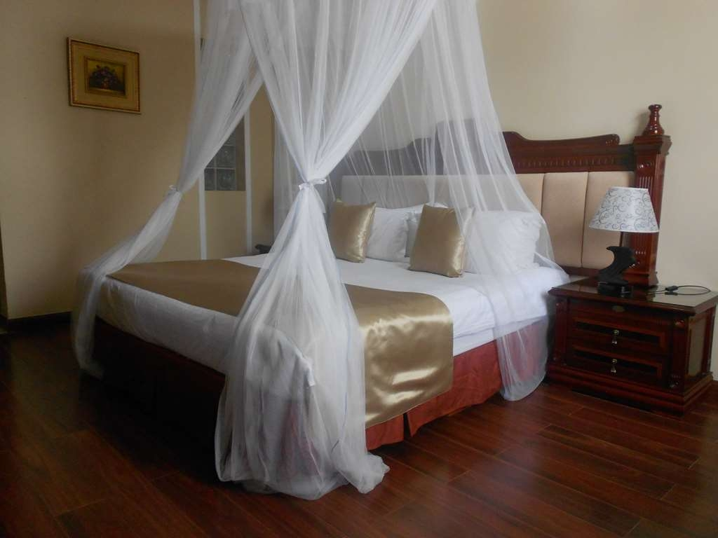 Best Western Plus Lusaka Grand Hotel - King Bed Guest Room