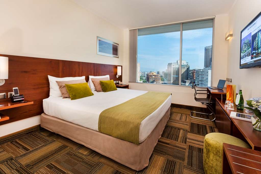 Best Western Premier Marina Las Condes - Mobility Accessible King Guest Room
