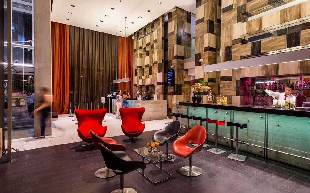 Best Western Premier Marina Las Condes - Lobby and Lounge Bar