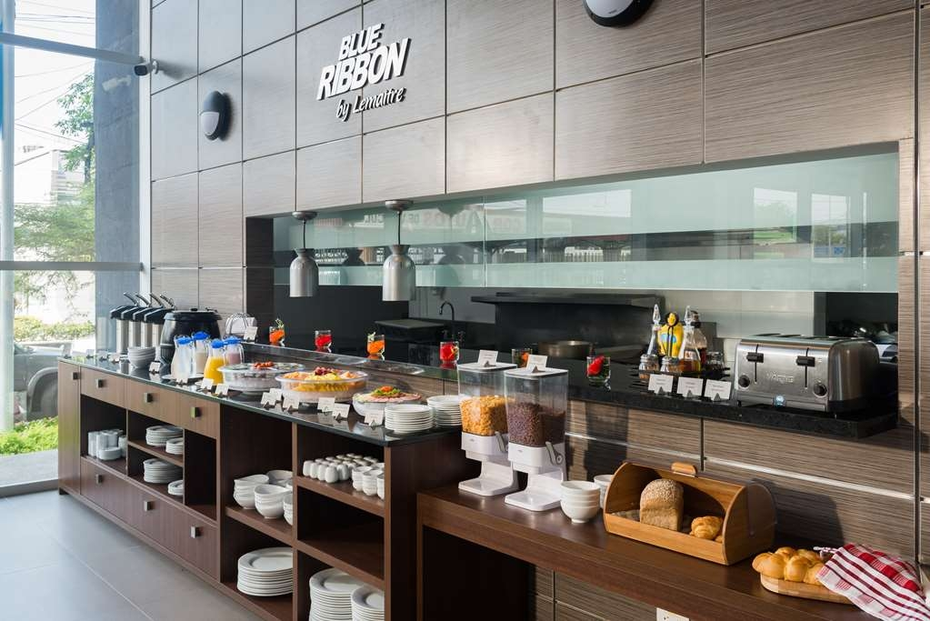 Best Western Plus Santa Marta Hotel - Breakfast Area