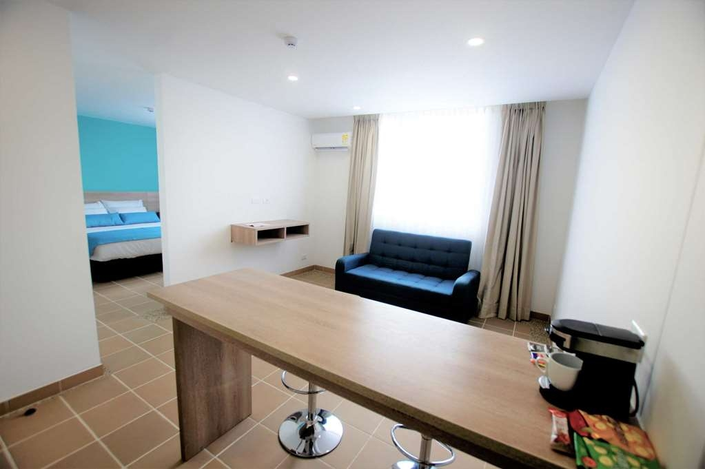 Best Western Puerto Gaitan Hotel - Junior Suite with One Queen Size Bed and a Sofabed