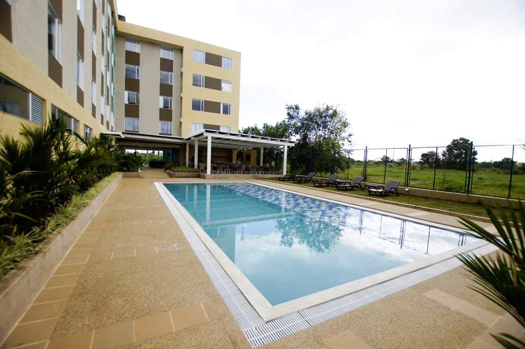 Best Western Puerto Gaitan Hotel - Outdoor Pool