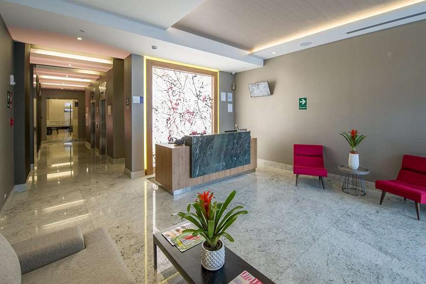 Best Western Plus Urban Larco Hotel - Vista del vestíbulo