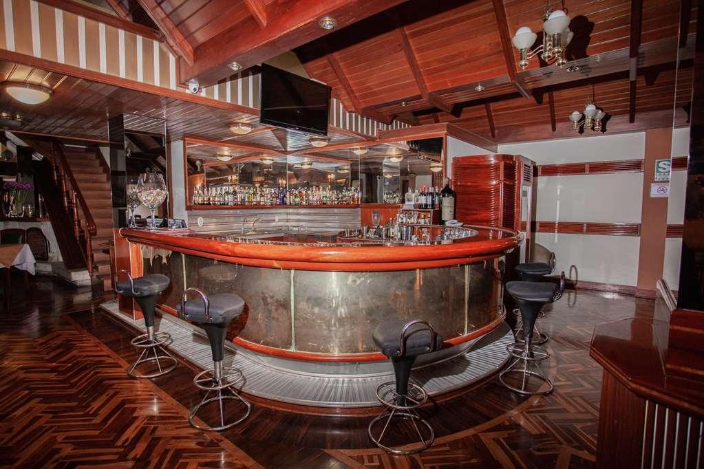 SureStay Plus Hotel by Best Western Dorado - Bar/Salón