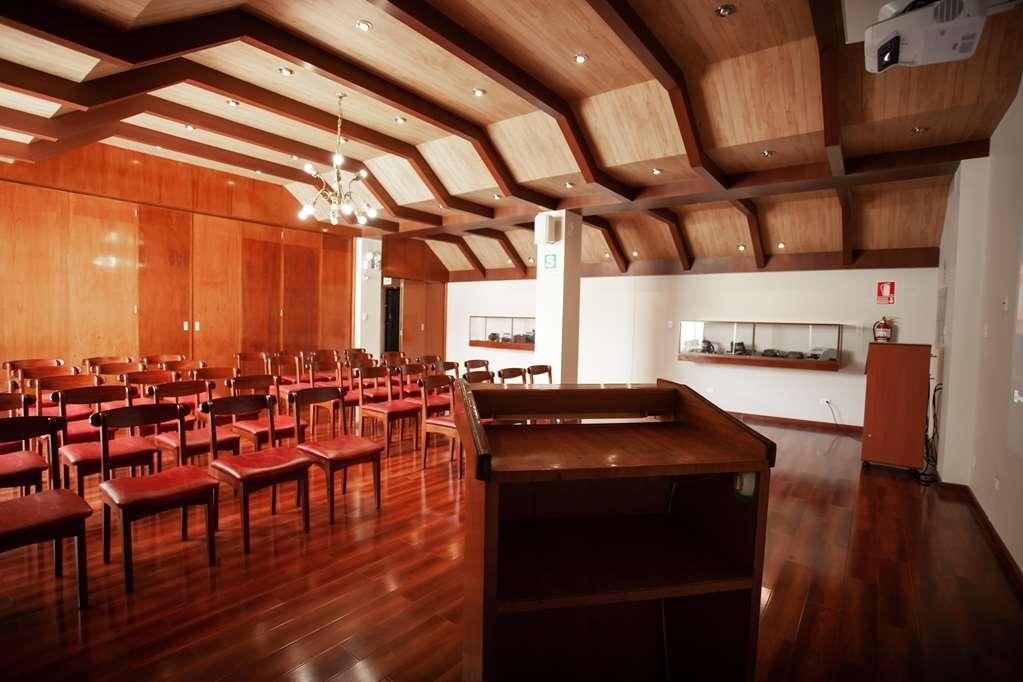 SureStay Plus Hotel by Best Western Dorado - Besprechungszimmer