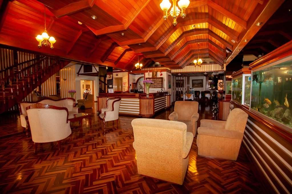 SureStay Plus Hotel by Best Western Dorado - Lobbyansicht
