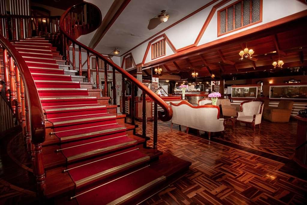 SureStay Plus Hotel by Best Western Dorado - Vista del vestíbulo