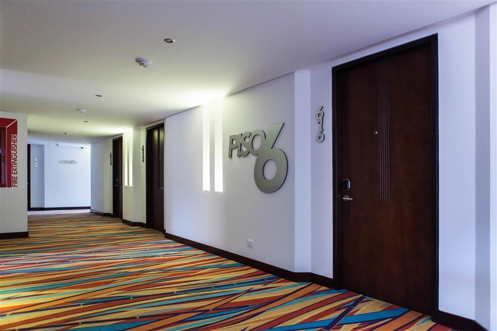 Best Western Plus 93 Park Hotel - Corridor