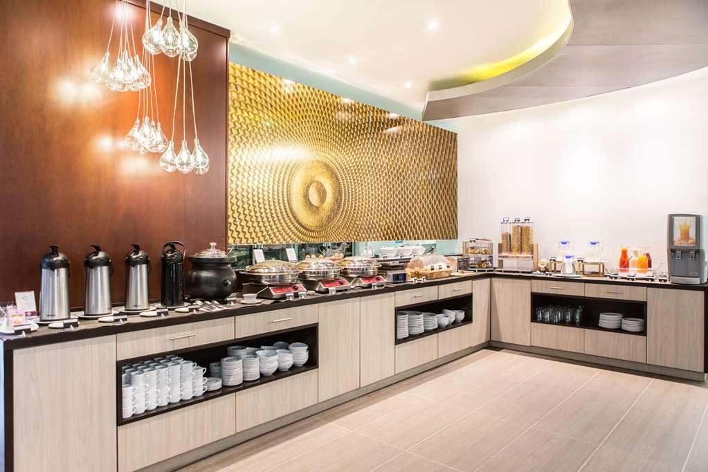 Best Western Plus 93 Park Hotel - Breakfast