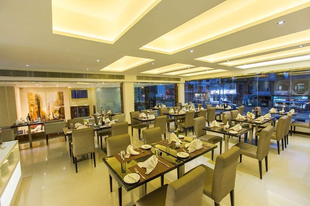 Best Western Elyon Colombo - Bar auf der Dachterrasse