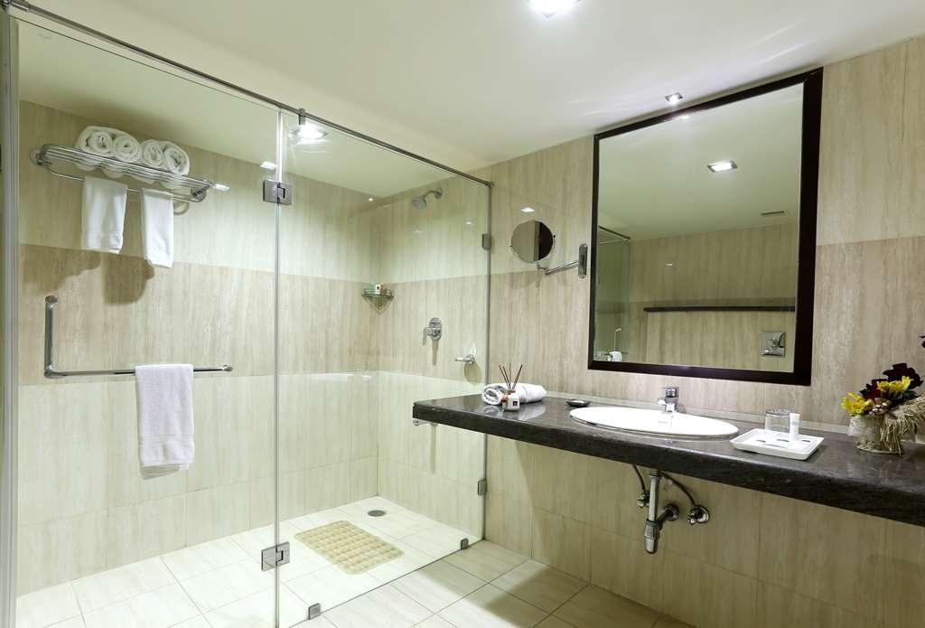 Best Western Ramachandra - Guest Washroom