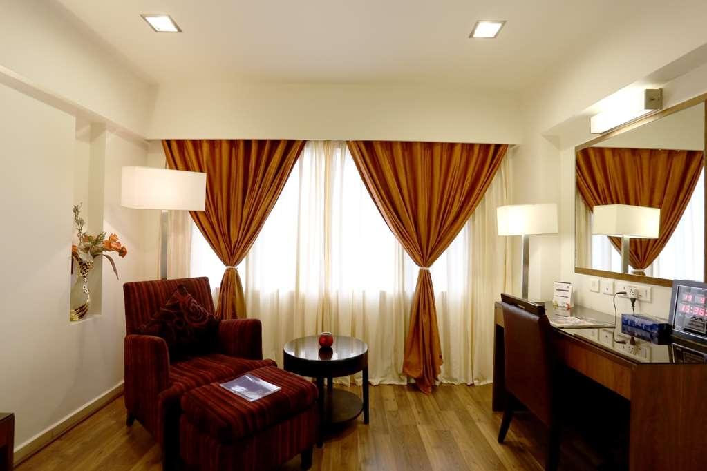 Best Western Ramachandra - Suite-One King Bed