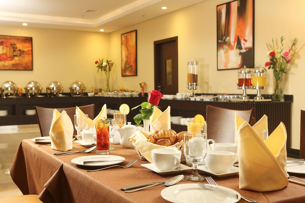 Best Western Plus Salmiya - Restaurant