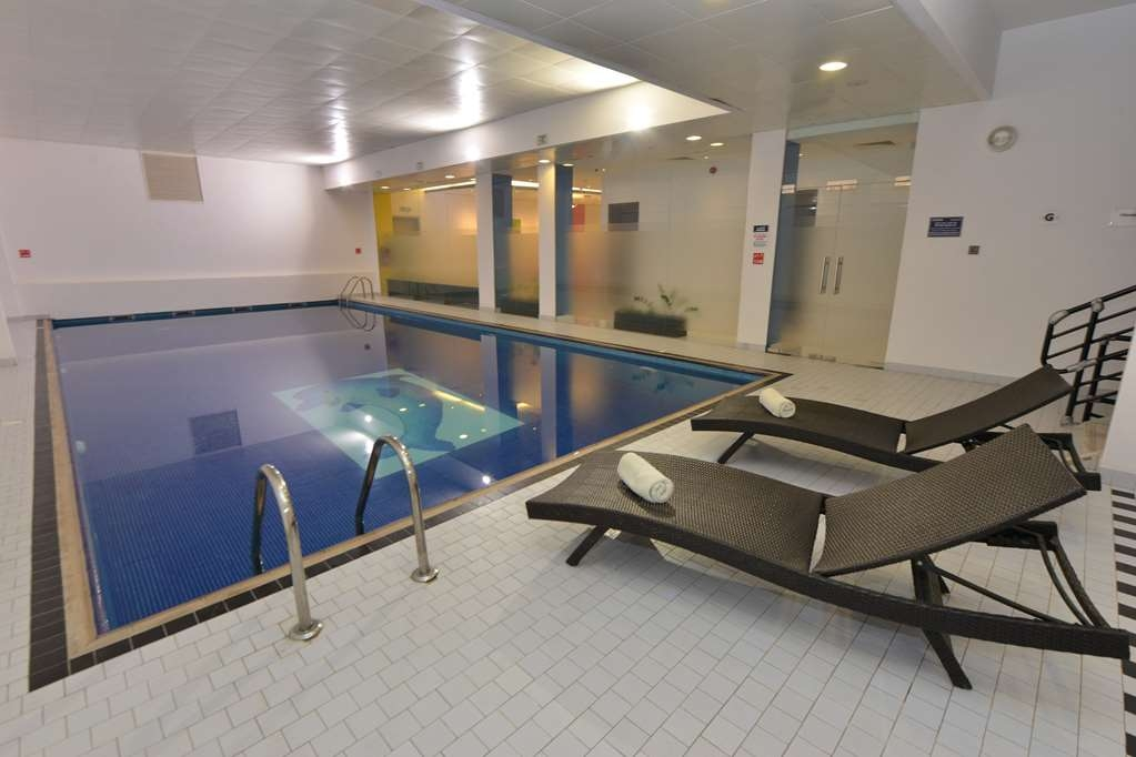 Best Western Premier Muscat - Vista de la piscina