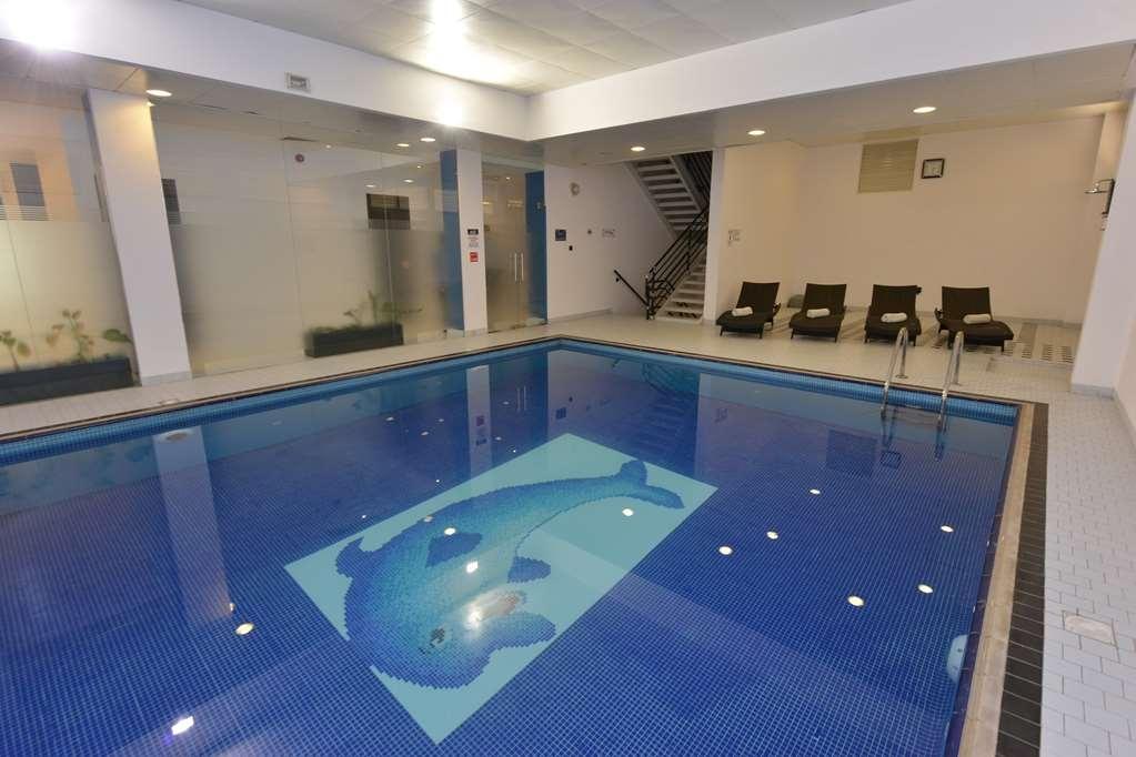 Best Western Premier Muscat - Vue de la piscine