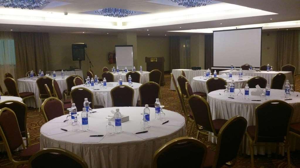 Best Western Premier Muscat - Salle de réunion