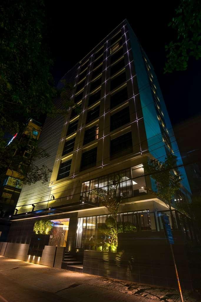 Best Western Plus Maple Leaf - ็Hotel Building