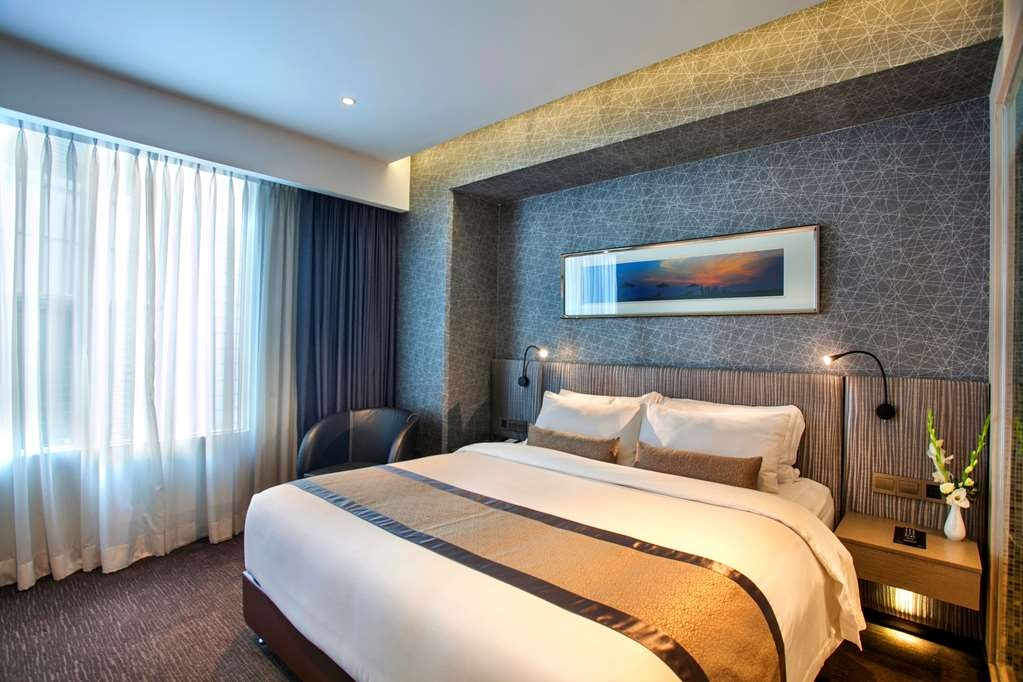 Best Western Plus Maple Leaf - Deluxe Room