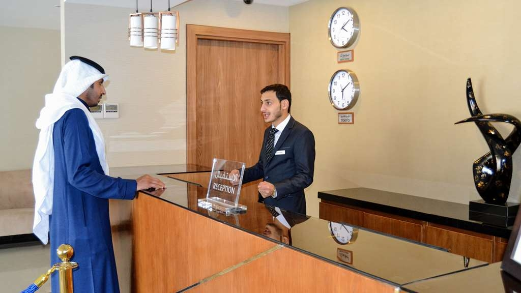 Best Western Plus Buraidah - Lobby and Front Desk