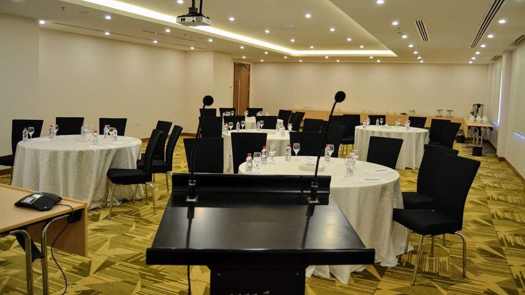 Best Western Plus Buraidah - Sala de reuniones